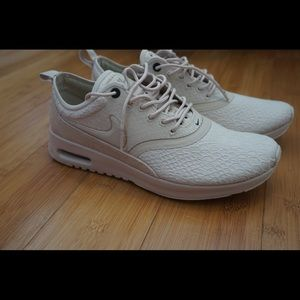 RARE. Nike Air Max Thea Oatmeal